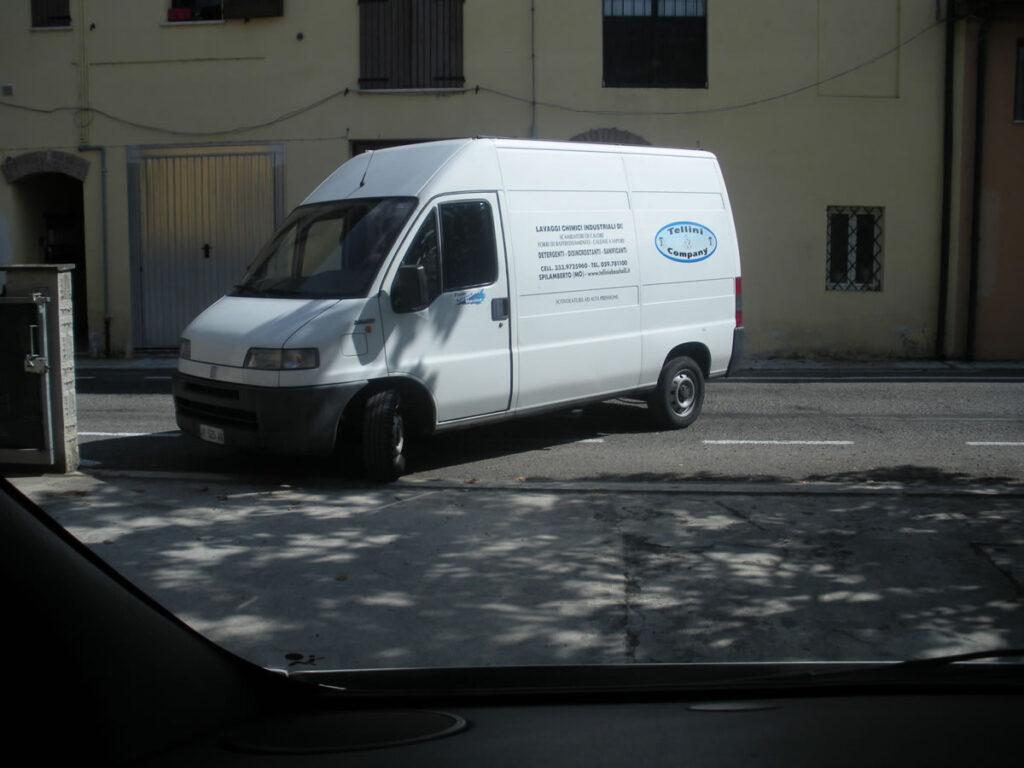 furgone-tellini-e-company-assistenza-e-manutenzioni-impianti-industriali