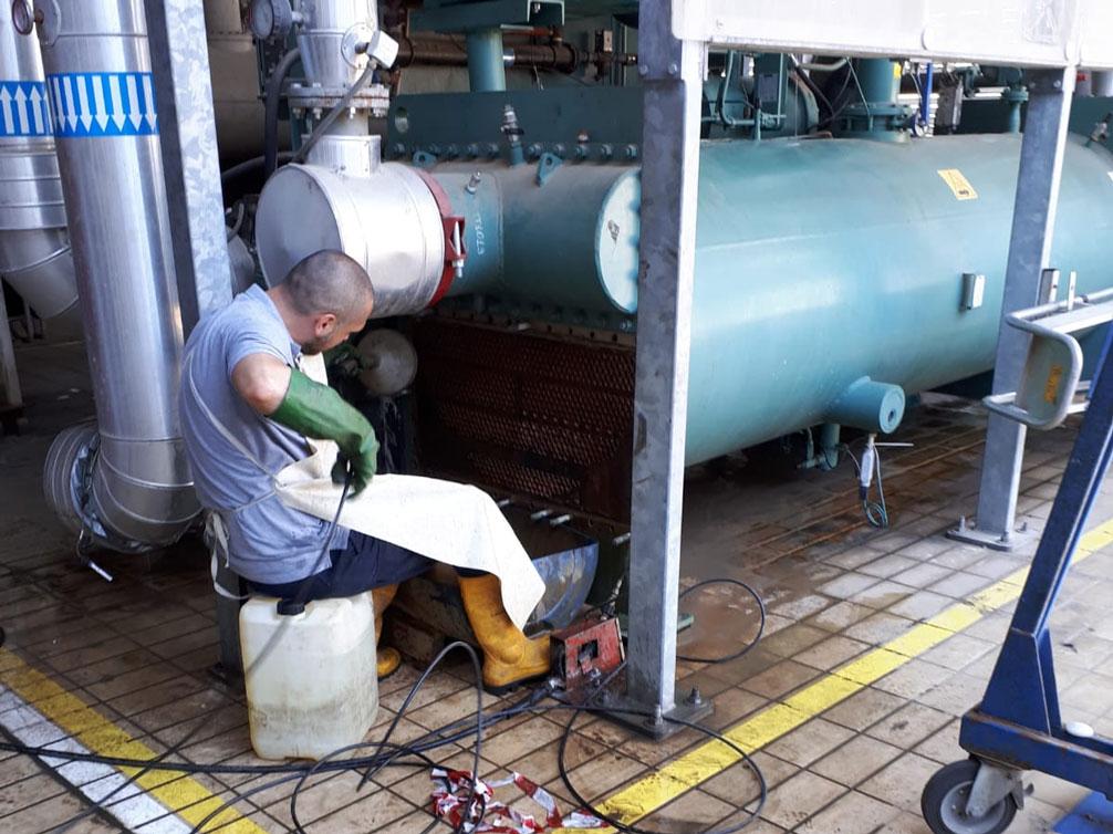 scovolatura-ad-alta-pressione-servizi-tellini-company-impianti-industriali
